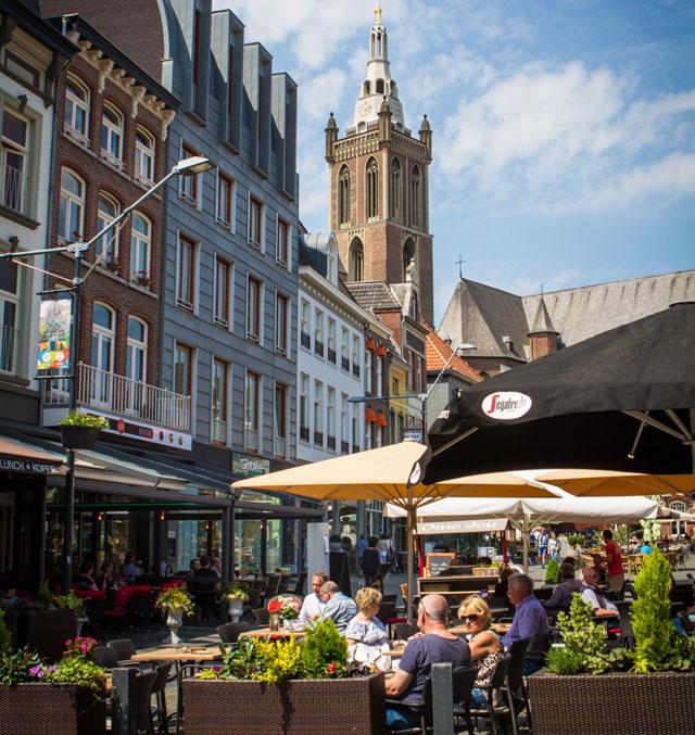 Markt 10 terras